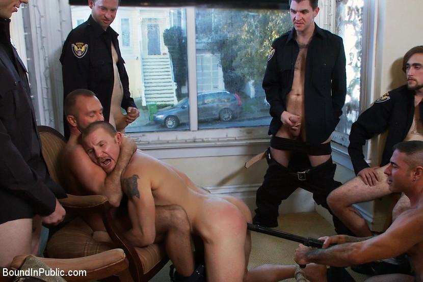 gruppovoe-porno-politseyskie