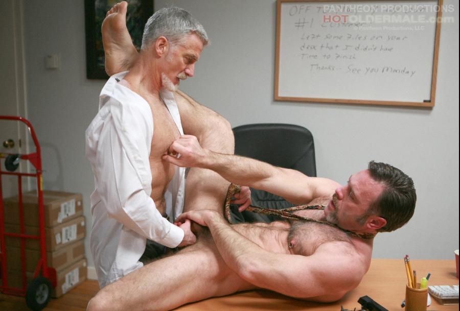 Порно секс со зрелым мужчиной